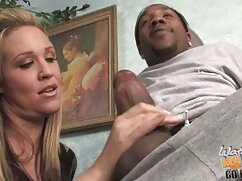 Después del sexo anal, se folla videos de maduras buenas a una mujer extrema por el culo con un pie