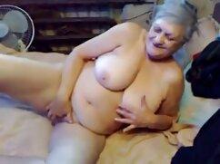Un chico se folla por el culo videos maduras abuelas a una joven negra en la webcam