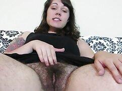 Una mujer en aceite se untó el culo pornos para mayores con aceite y metió un consolador en el culo de una máquina sexual