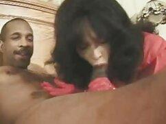 Belleza sensual le muestra al videos pornos de cincuentonas chico sus habilidades en striptease y mamada