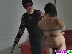 Las mujeres traviesas hacen eyacular a maduras folladoras los hombres