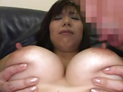 Chica delgada con un tatuaje en videos gratis de lesbianas maduras el estómago se inserta un tapón anal en el culo durante el sexo