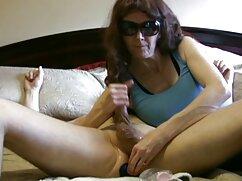 Chica maduritas gratis rusa con grandes tetas folla con su amante en la cama