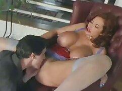 Chico filma a videos eroticos maduras gratis su novia rubia masturbándose en el dormitorio