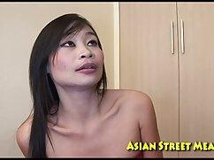 Milf con medias videos xxx mamas maduras negras se masturba con un vibrador y se mete una banana en el culo