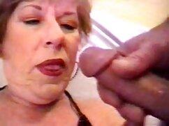 Latina con grandes caderas negras maduras porn empuja su vagina en la polla de un amigo