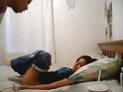 Novia y novia videos de maduras ardientes acarician la gran polla del novio en el dormitorio de la cama