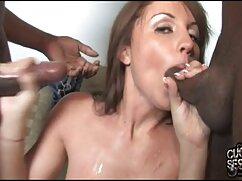 El deportista maduras poeno da en la boca de una preciosa pelirroja en el salón