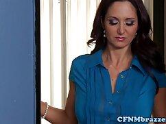 Morena se masturba en la viejas maduras videos ducha después del trabajo